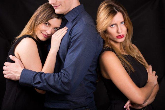 2 2 - Как ведут себя женатые любовники в отношениях с женщиной