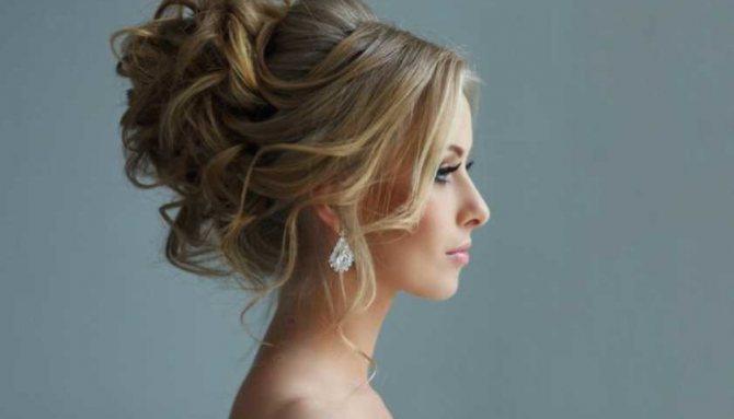 5 домашних средств, заменяющих фиксатор для волос