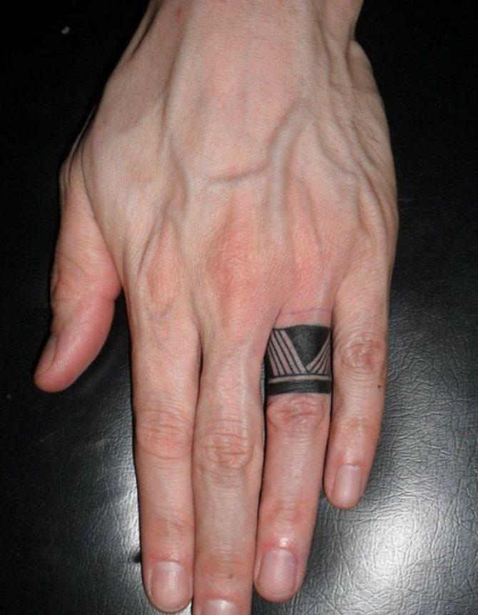 тату на среднем пальце левой руки фото был средства