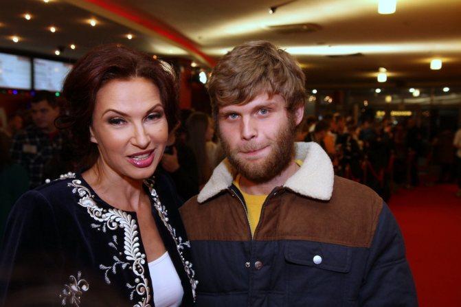 80 фото Эвелины Бледанс, ее сыновей Семена Семина и Миколы, похудевшего мужа