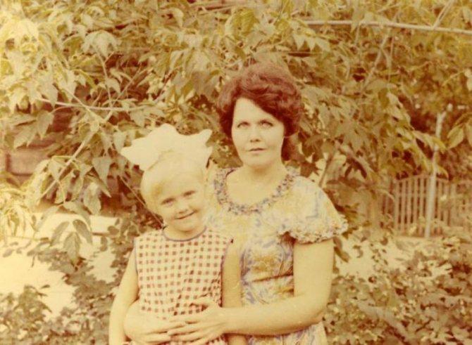 Алла Юрьевна Перфилова с мамой