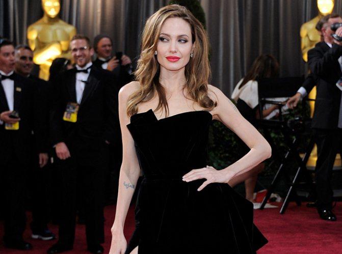 Анджелина Джоли (родилась 4 июня 1975 года) фото № 4