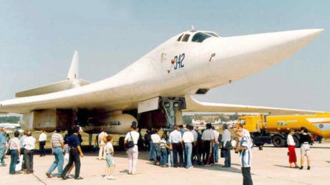 Авиационно-космический комплекс Ту-160СК «Бурлак» на Международном авиационно-космическом салоне в Жуковском