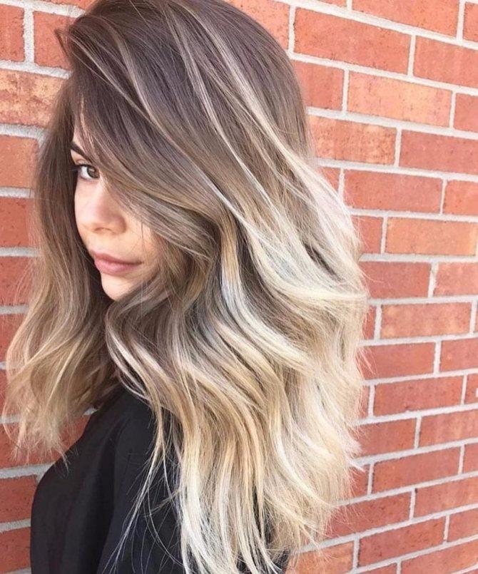 Балаяж на светлые волосы средней длины
