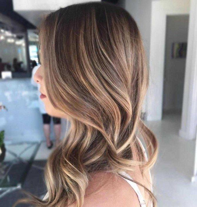 балаяжна волосы средней длины