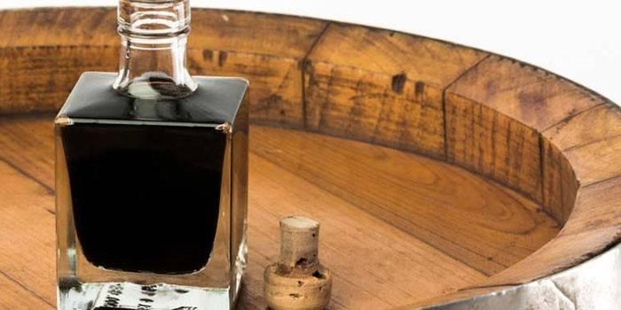 Бальзамический уксус в бутылочке