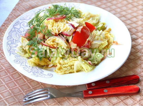 Белковый салат из креветок и пекинской капусты