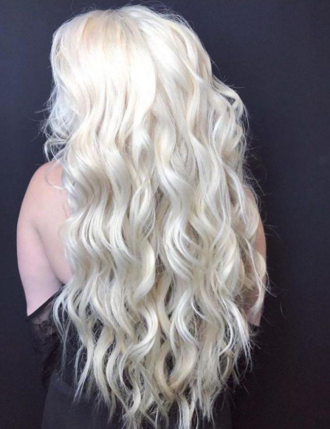 белый длинный волос во сне