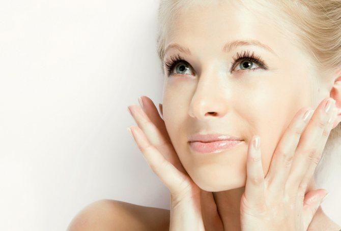 Благодаря маске «Holika», кожа лица становится мягкой и бархатистой