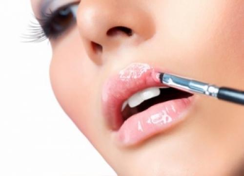 Блеск для губ из чего делают. Из чего делают блеск для губ?