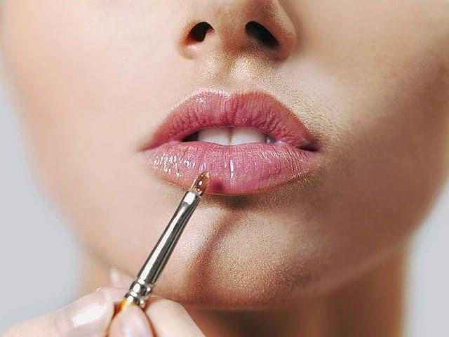 блески для губ с блестками