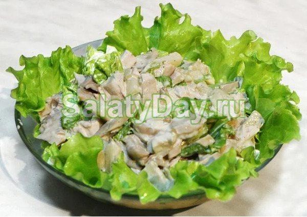 Блинный салатик «Чесночная пикантность»