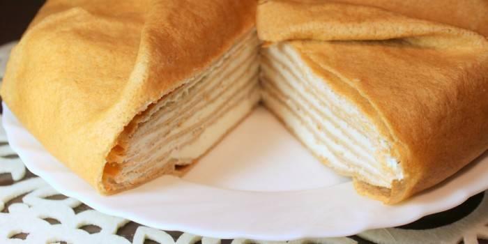 Блинный торт с кремом из творожного сыра и сметаны
