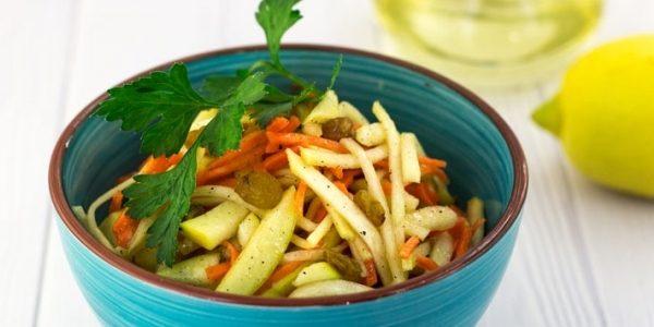 Блюда из репы: Салат с репой, морковью и яблоком