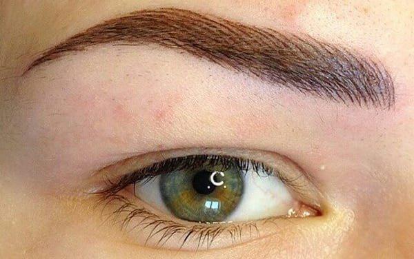 Брови волосковым методом