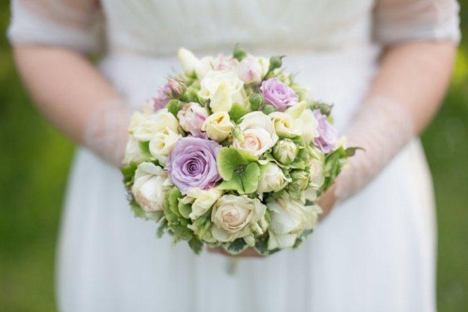 Букет невесты в светлых тонах