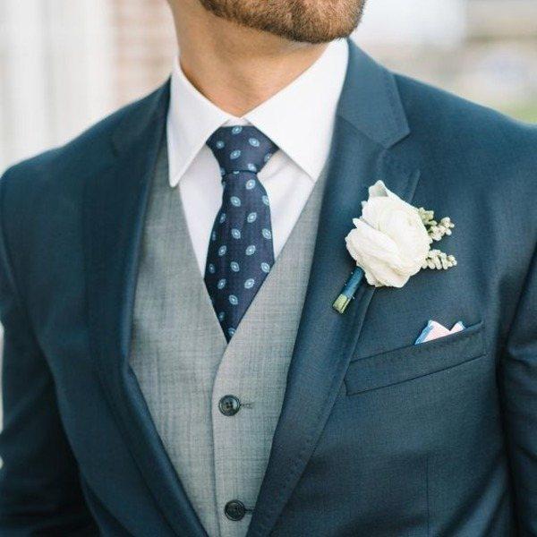 бутоньерка и галстук для боярина