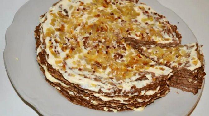 Быстрый печеночный торт слоями с жареной морковью, сыром, чесноком и яйцом