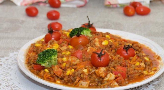 Чечевица с говядиной и овощами