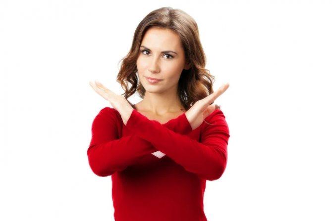 Чего нельзя делать, если вы намерены снять накладные или нарощенные ресницы без осложнений