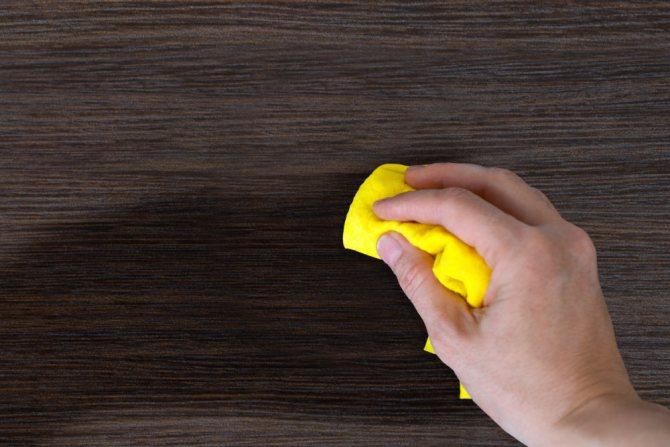 Чем лучше всего удалить домашнюю пыль? Чем протирать мебель чтобы не садилась пыль народные средства