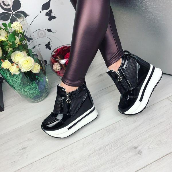 черные кроссовки лаковые