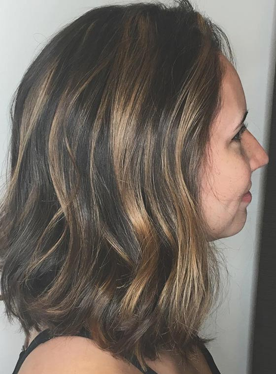 Черные волосы с блондинистыми бликами