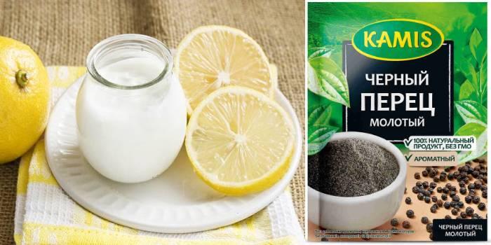 Черный перец, лимонный сок и йогурт
