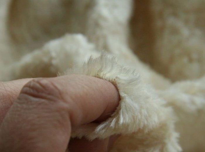 Чистка пожелтевших изделий из белого меха