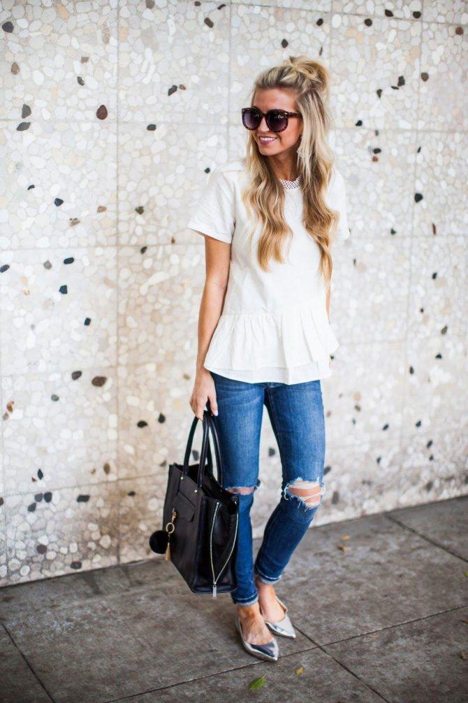 Что надеть, чтобы выглядеть женственно в джинсах