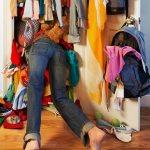 Что нужно сделать для компактного хранения вещей в шкафу