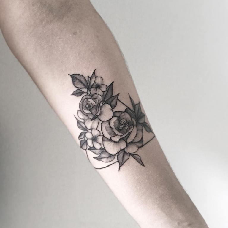 что означает татуировка треугольник