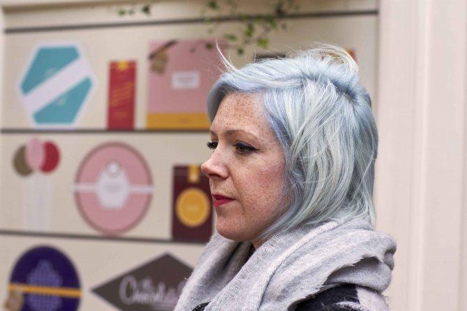 цвет волос и цвет бровей