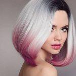 Цветные пряди на светлых волосах