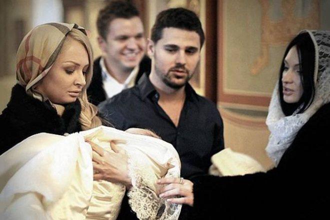 Дарья Пынзарь с крестником