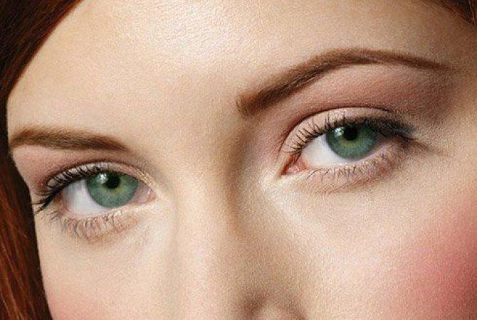 деловой макияж для зеленых