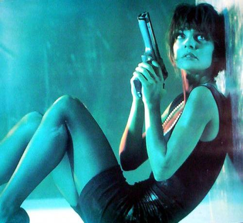 Деми Мур призрак стрижка. Прически из фильмов: короткая стрижка и женственный образ