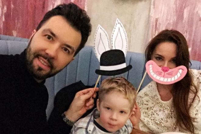 Денис Клявер и Ирина Федотова с сыном Даниэлем