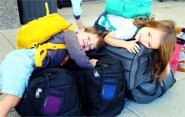 Дети на чемоданах