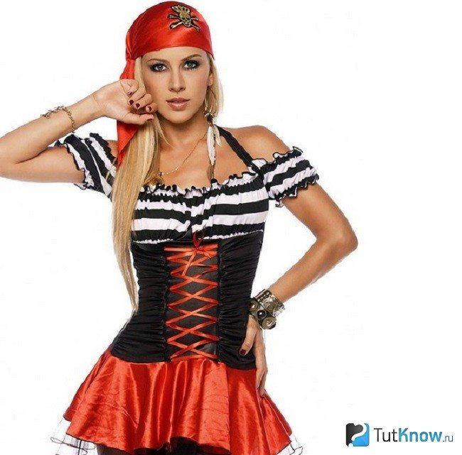 Девушка-пиратка