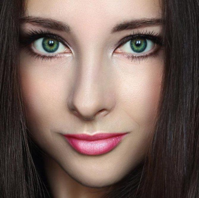 Девушка с зелеными глазами, фото