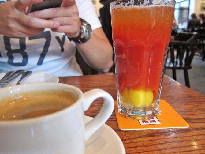 'Для чего полезно пить пиво с яйцом. Перепелиные яйца для потенции: рецепты с сырым яйцом, пивом и сметаной на эрекцию у мужчин. Коктейль с пивом и молоком