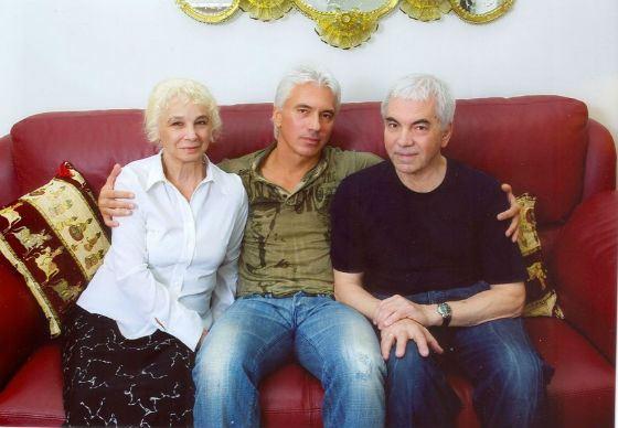 Дмитрий с родителями