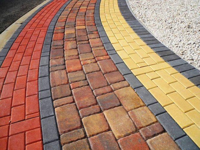 Дорожка из цветного бетона