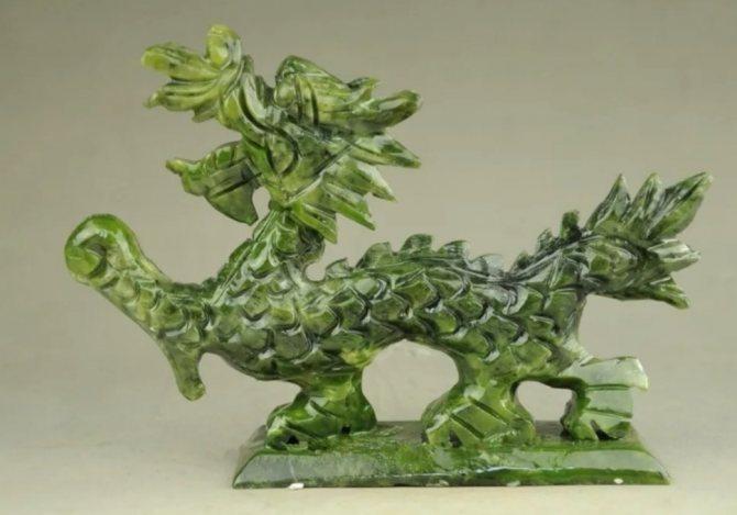 дракон из нефрита