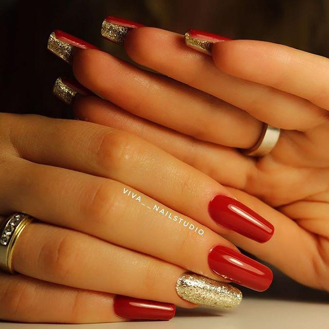 двухсторонний маникюр с блестками под ногтями