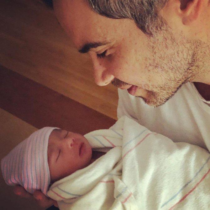 Джессика Альба стала мамой в третий раз