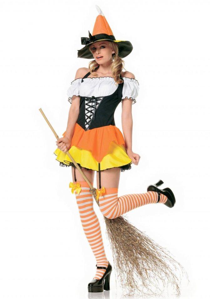 Эффектное платье и шляпа для доброй Злодейки