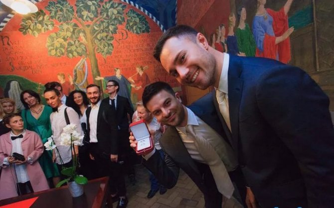 Фото Евгений Бороденко из Камеди Вумен женился на мужчине
