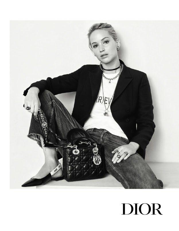 Фото с рекламной кампании «Miss Dior»
